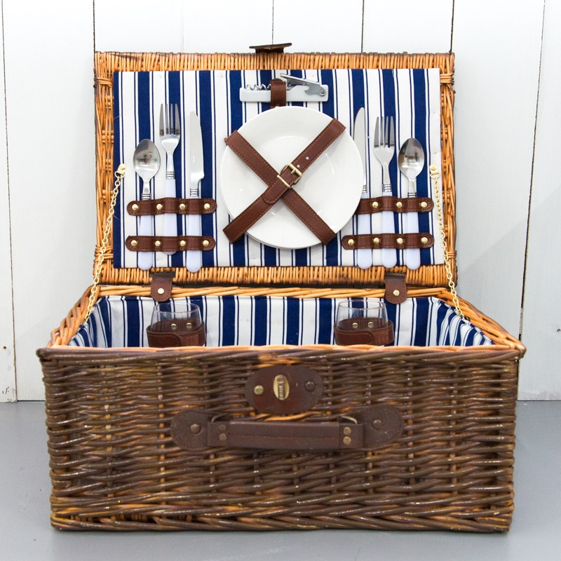 Wedding Decor Rental Singapore: Rent: Picnic Basket With Cutlery