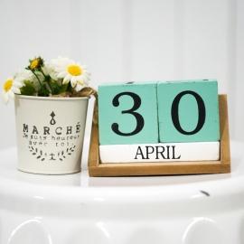 Rent: Turquoise Wooden Calendar Date Blocks