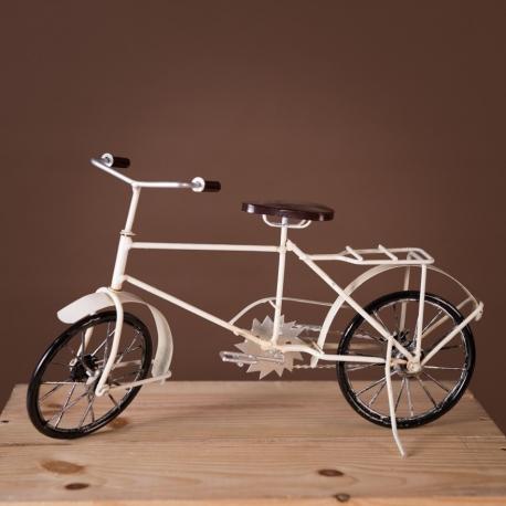 Retro White Bicycle Decor