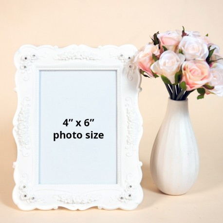 White Decorative Photo Frame (4R)