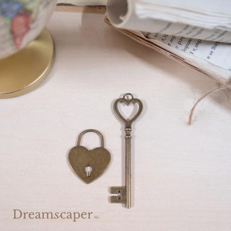 Vintage Keys Heart Lock