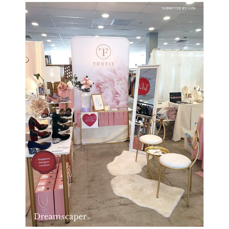 Toufie Popup Booth