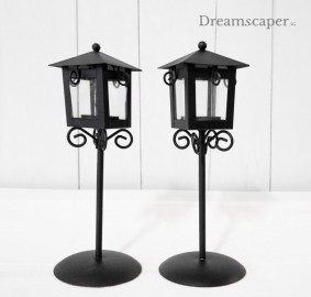 Black tealight holder lamp post