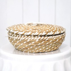 Rent: Rattan Basket with lid (Medium)
