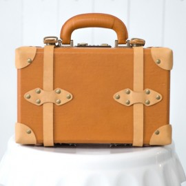 Rent: Vintage Leather Suitcase (small)